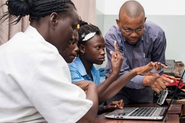 Africa Code Week gives coding workshops for hearing-impaired children in Mozambique