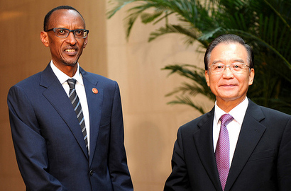 Rwandan President Paul Kagame and  China's Prime Minister, Wen Jiabao