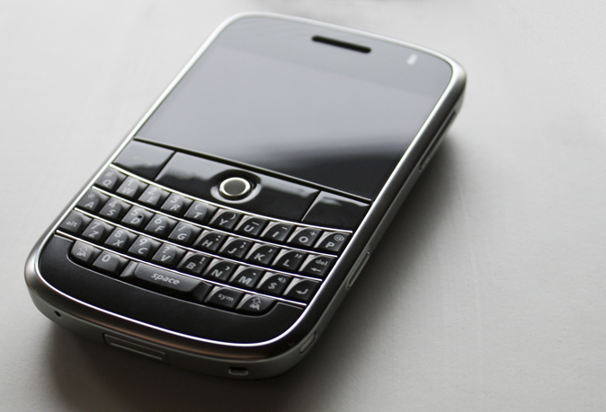 MTN, Etisalat compensate BlackBerry users in Nigeria
