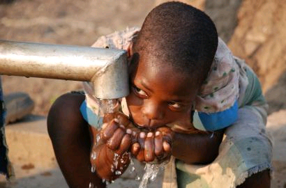 Mobile phones to monitor Malawi water