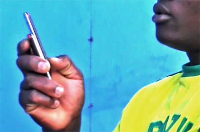 Lower prices, social media, spur African mobile broadband